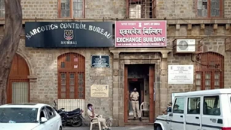 one more arrested mumbai drug case