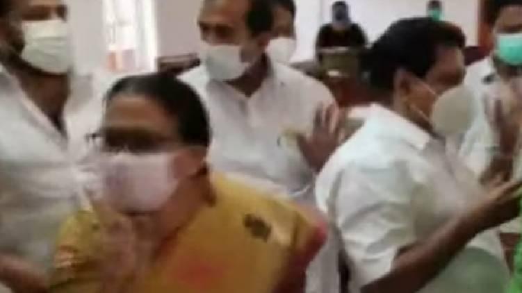 clash in irinjalakuda council meet