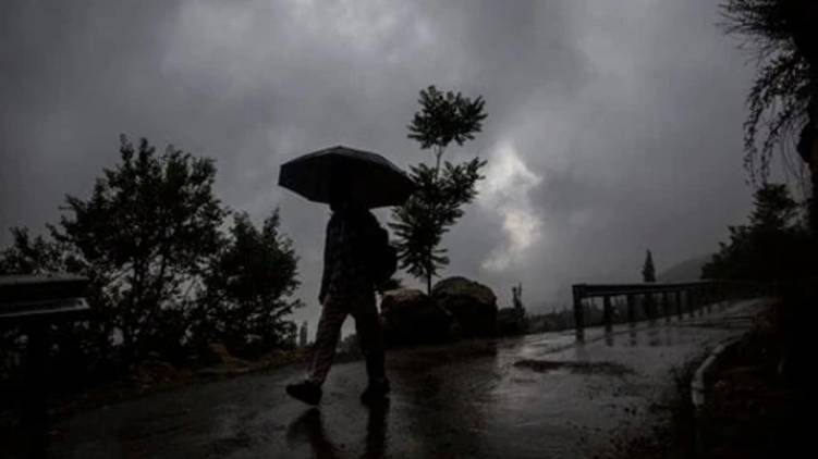 heavy rain lightening alert